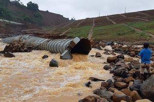 Vụ kẹt cửa xả thủy điện đe dọa nhiều tỉnh: Chủ đầu tư chủ quan, lơ là
