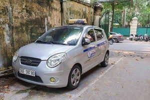 'Chặt chém' khách du lịch nước ngoài, tài xế taxi nhận kết đắng