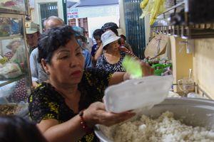 Quán chay Sài Gòn dành 170 suất ăn 0 đồng cho người nghèo mỗi ngày