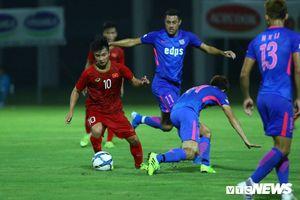Martin Lò khiến đối thủ quay như chong chóng, HLV Park Hang Seo ra quyết định đặc biệt