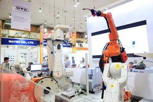 Dàn robot phục vụ công nghiệp chế tạo máy móc và hỗ trợ trình diễn tại Hà Nội