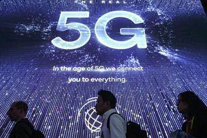 Có bao nhiêu chiếc smartphone 5G sẽ được xuất xưởng vào năm 2020?