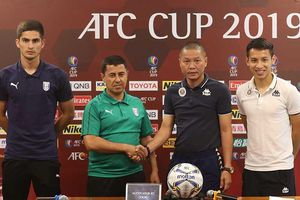 Hà Nội 'thiếu trước hụt sau' ở AFC Cup