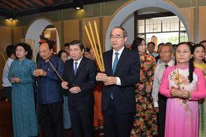 Lãnh đạo TP Hồ Chí Minh dâng hương tưởng niệm Chủ tịch Tôn Đức Thắng