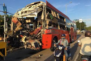 Nhân chứng vụ va chạm 2 xe khách làm hơn 40 người thương vong: Tôi chỉ nghe tiếng 'đùng' rồi ngất xỉu