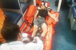 Cứu ngư dân bị đứt gân chân ở quần đảo Hoàng Sa