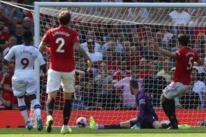 Rashford hỏng 11 m, MU thua sốc Crystal Palace trên sân nhà