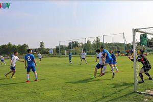 Khai mạc Giải bóng đá thanh niên, sinh viên người Việt khu vực Bắc Séc