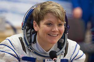 Lần đầu tiên NASA điều tra du hành gia hack tài khoản của vợ cũ từ vũ trụ
