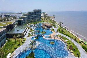 Khách sạn đội giá 20% vẫn 'cháy phòng', tăng cường xe phục vụ du khách