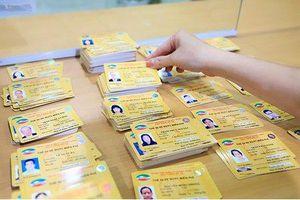 Đối tượng, thủ tục và địa điểm cấp thẻ xe bus miễn phí tại Hà Nội