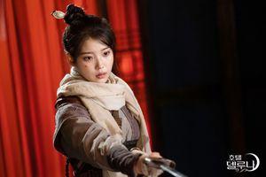 Sau IU, đến lượt P.O bị chỉ trích vì diễn xuất kém cỏi, Knet: 'Cha Eun Woo tồi tệ hơn'