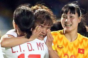 Người hâm mộ vui mừng khi tuyển nữ Việt Nam thắng Thái Lan