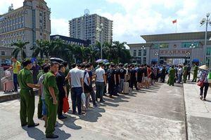 28 đối tượng Trung Quốc bị công an Quảng Ninh bắt vì… lập sàn chứng khoán giả