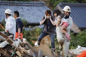 Nhật Bản sơ tán hàng nghìn người do mưa lũ: Ít nhất 2 người chết