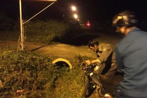 3 xe máy tông nhau trong đêm, 5 người thương vong