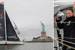 Nhà hoạt động khí hậu 16 tuổi bơi thuyền băng qua biển đến New York