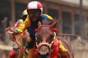 Truyền thống dùng trẻ em đua ngựa ở Indonesia gây phẫn nộ
