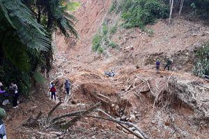 Hàng chục hộ dân huyện Quan Sơn di dời khẩn cấp sau bão số 4