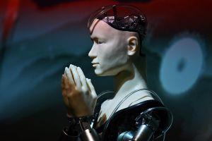 Tranh cãi về 'nhà sư người máy' giảng kinh Phật ở ngôi chùa Nhật