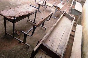 Mường Lát thiếu gần 500 bộ bàn ghế học sinh