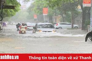 TP Thanh Hóa: Mưa lớn, nhiều tuyến đường ngập sâu trong nước