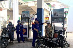 Xăng dầu đồng loạt giảm giá từ 15h ngày 31-8
