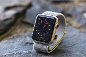Apple thay thế miễn phí màn hình nứt trên Apple Watch Series 2 và 3 vỏ nhôm