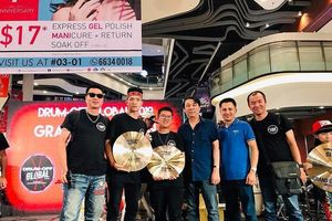 Thí sinh Việt Nam xuất sắc giành giải nhất cuộc thi trống quốc tế tại Singapore