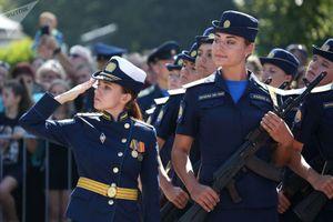 Ngắm các nữ học viên phi công xinh đẹp của quân đội Nga