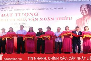 Đặt tượng cố đại tá, nhà văn Xuân Thiều tại Hà Tĩnh
