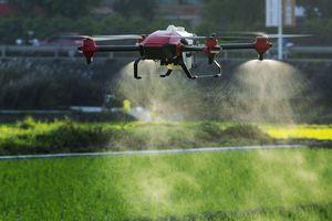 Trung Quốc tung 'đội quân' UAV bảo vệ mùa màng