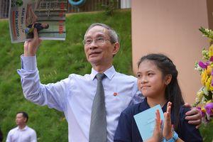 Lễ khai giảng không bóng bay mang tên học sinh Nguyệt Linh