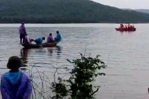 Hà Tĩnh: Bị lật thuyền trong lúc đánh cá, 2 người chết đuối thương tâm
