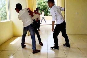 Điều tra vụ nam sinh lớp 10 bị học sinh lớp 9 đâm tử vong ngay trước ngày khai giảng