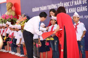 Lãnh đạo Đảng, Nhà nước chung vui với học sinh trong ngày khai giảng