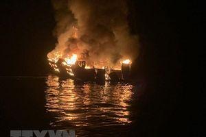 Vụ cháy tàu Conception: Không hy vọng tìm thấy người còn sống sót