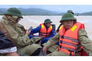 Quảng Bình: Lật ca nô, đoàn công tác 6 người thoát nạn