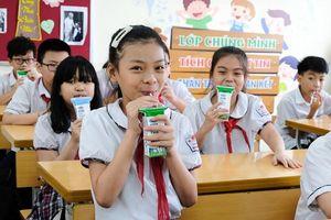 Tháng khai trường, sẽ ban hành quy chuẩn sữa học đường