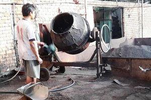 Chủ thầu và công nhân xây dựng bị điện giật tử vong