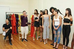 Siêu mẫu Nga casting trình diễn trang phục NTK Việt tại Tuần lễ Thời trang Thế giới