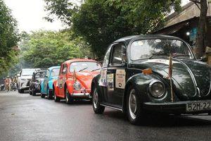 Ngắm dàn xe cổ ba miền đất nước diễu hành tại Hội An