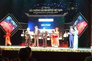 Trung tâm Công nghệ thông tin Đà Nẵng vinh dự nhận giải thưởng chuyển đổi số Việt Nam