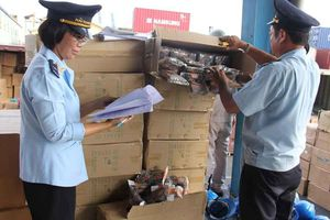 TP HCM: Nguyên cán bộ hải quan cảng Sài Gòn nhập lậu phụ tùng ô tô