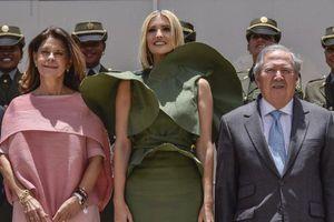 Mắc lỗi thời trang tại sự kiện chính trị, Ivanka Trump bị công chúng so sánh với 'khủng long bay'