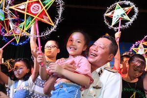 Học sinh Hà Nội gửi 1.000 chiếc đèn ông sao tới các bạn có bố là chiến sĩ nơi đảo xa