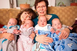 Những phụ nữ liều mạng sinh con ở độ tuổi 70