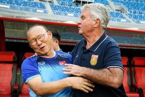 HLV Park Hang-seo xúc động khi ôn lại kỷ niệm với Hiddink