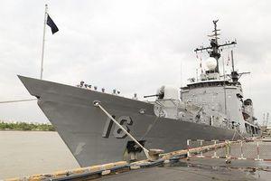 Tàu Hải quân Philippines thăm TPHCM