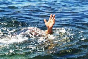 Quảng Trị: Đi tắm suối, 2 anh em đuối nước thương tâm